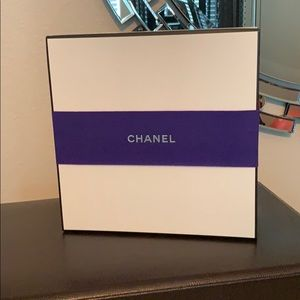 Chanel Gift Box w/Ribbon. Large.
